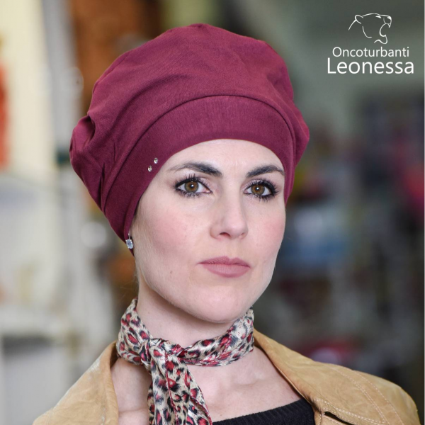 oncoturbanti-leonessa-bandane-turbanti-chemio-cancro-baschetto-americano-bordeaux