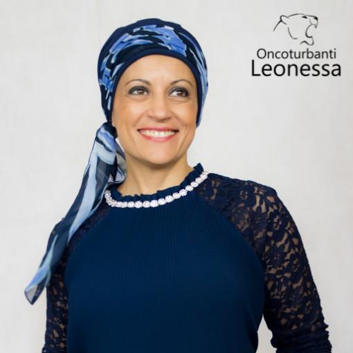 oncoturbanti-leonessa-bandane-turbanti-chemio-cancro-alyssia-azzurro