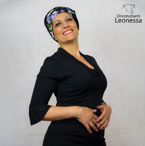 oncoturbanti-leonessa-bandane-turbanti-chemio-cancro-alyssia-nero-floreale